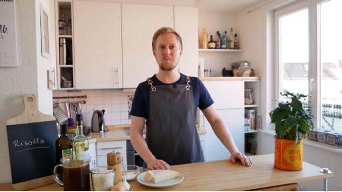 David Manthey kocht Ofenkürbis