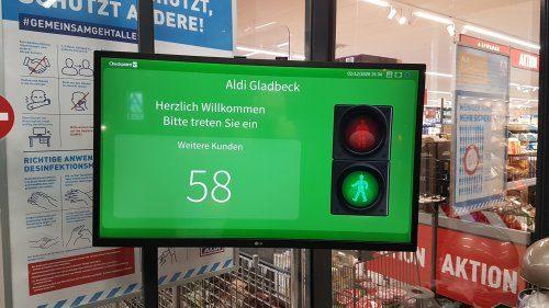 Kundenbegrenzung per Ampelsystem im Aldi an der Schultenstraße