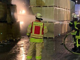 Brandeinsatz auf einem Gewerbegelände