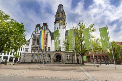 Auch die Stadt Gladbeck hisst LSBTQ-Fahnen