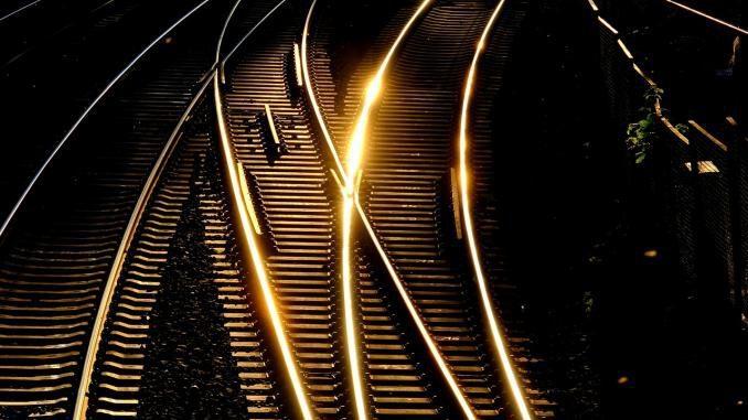 Gleisüberschreiter gibt es auch am Bahnhof-Ost