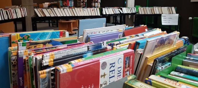 Bücherflohmarkt zugunsten der Flutopfer