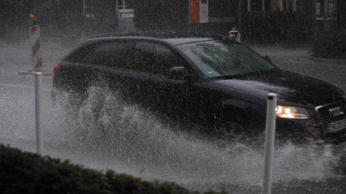 Starkregen und wie sich Hausbesitzer schützen können