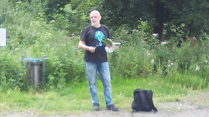 """Rainer Wüst - Ex-Gladbecker Autor macht """"tierische"""" Wanderlesung"""