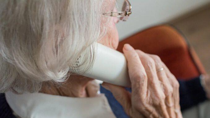 89-jährige Seniorin in Gladbeck-Rentfort ausgeraubt